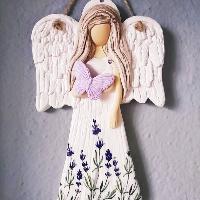 Anděl 22 cm s levandulovým potiskem