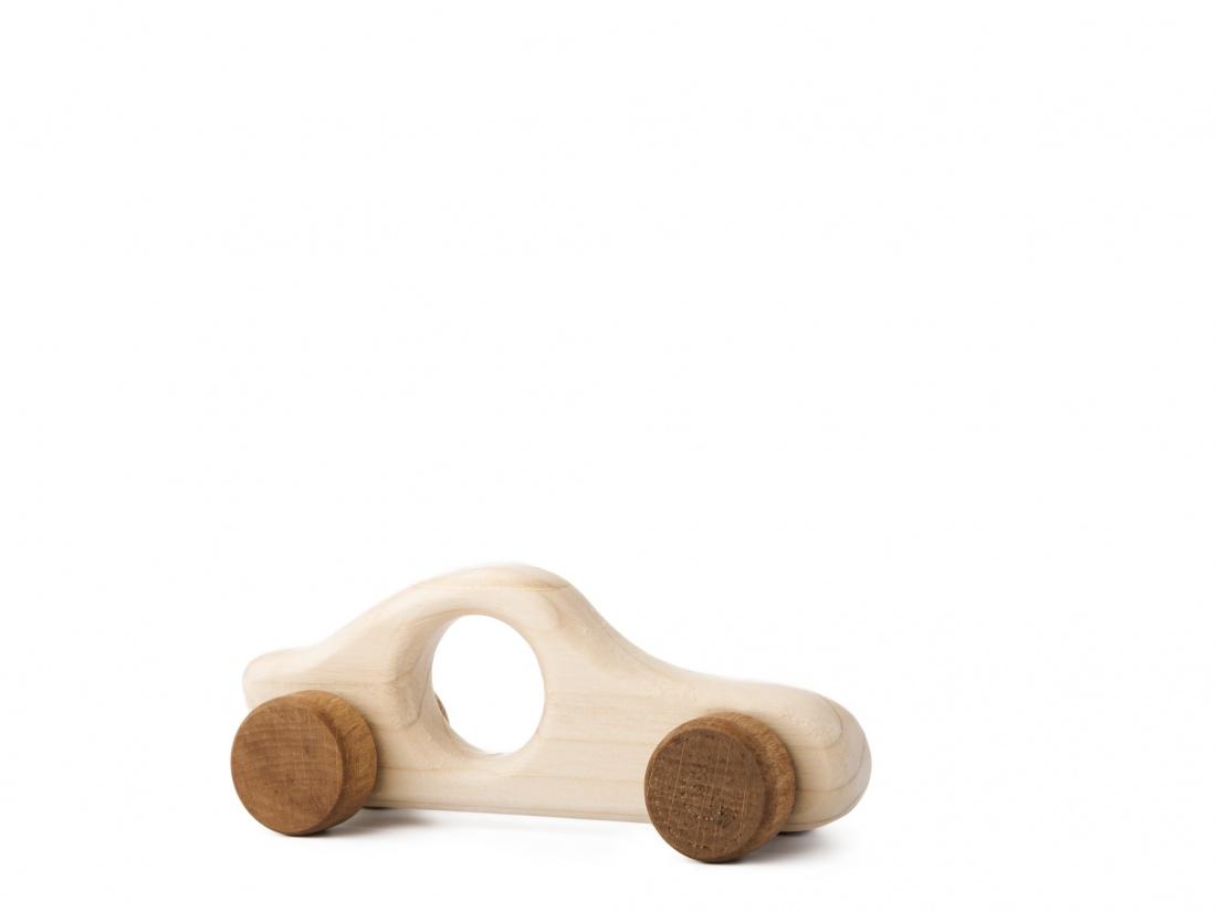 Dřevěná hračka na kolečkách - Autíčko Filípek