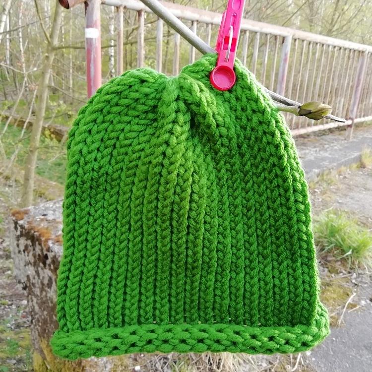 Pletená čepice skladem zelená