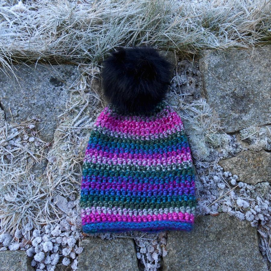 Čepice háčkovaná pestrobarevná
