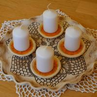 Adventní svícen s krajkou