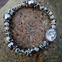náramek z jaspisu dalmatin s madonkou