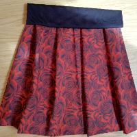 Šitá sukně - růže červená