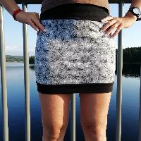 Šitá sukně hvězdice na šedé skladem
