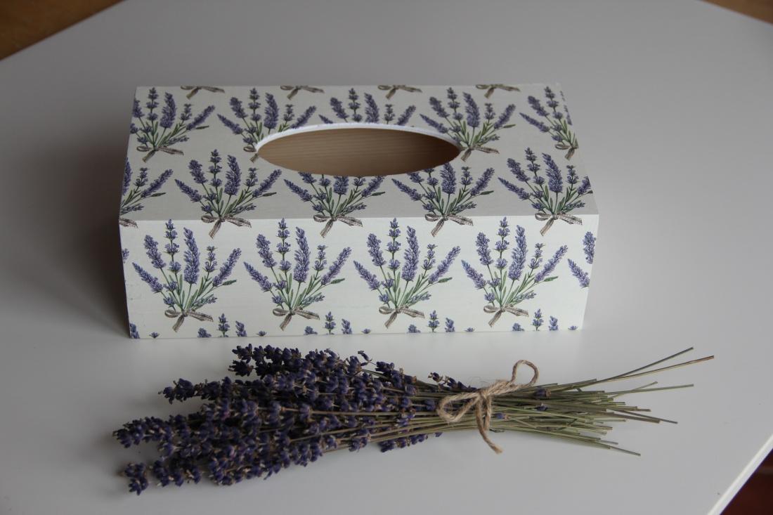 Krabička na kapesníky s motivem levandule