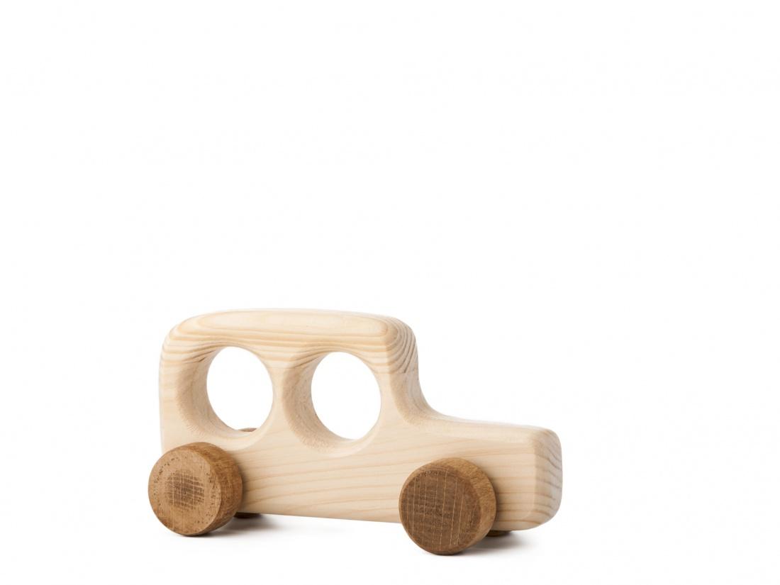 Dřevěná hračka na kolečkách - Autíčko Ondrášek