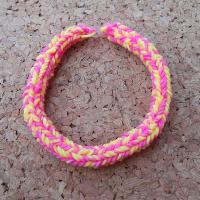 Náramek růžová+žlutá z gumiček Loom Bands