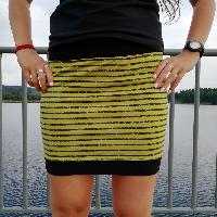 Šitá sukně černé pruhy na zelenožluté skladem