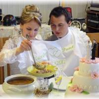 Svatební bryndák pro Novomanžele s volánkem