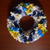 velikonoční věneček modrožlutý