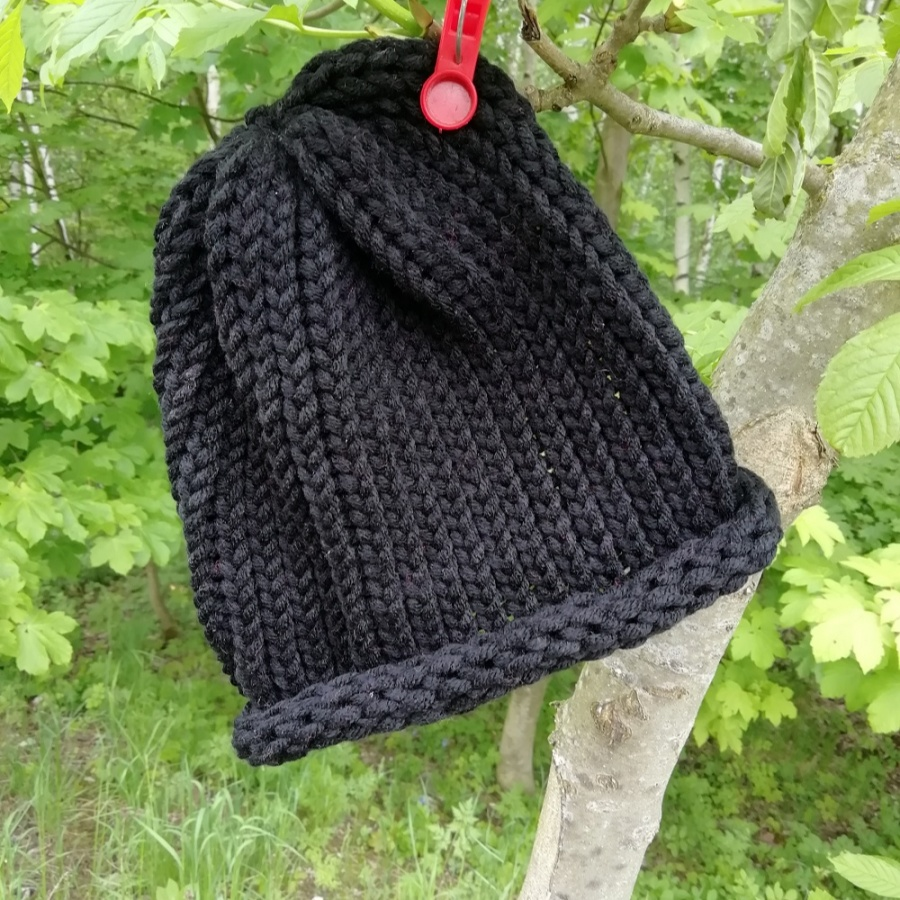 Pletená čepice skladem černá