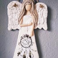 Anděl 22 cm s hnědým lapačem zlých snů
