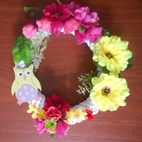 letní věnček s růžemi a sovou