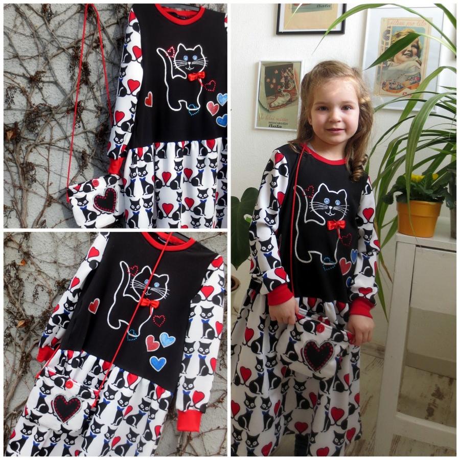 Kočičkové šaty s kabelkou  4-7 let
