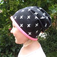 Dívčí čepice - Bílé křížky