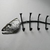Věšák - kostra ryby
