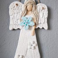 Anděl 22 cm s modrými květy