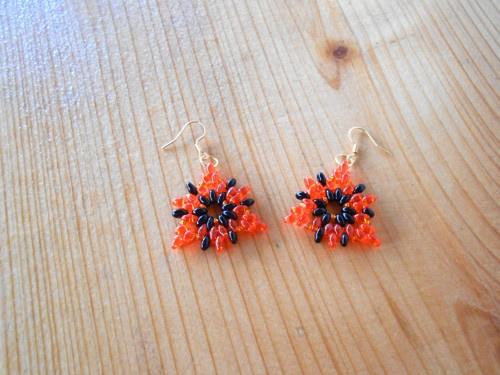 Náušnice šité hvězdičky - oranžová + černá (771/15)